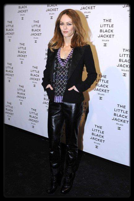 Vanessa Paradis lors de l'exposition &quot;Chanel : The Little Black Jacket&quot;  Milan, le 4 avril 2013. / EVE &#8211; Lip Lock (Album Cover + Tracklist) / T.I. annonce une G.D.O.D. Mixtape !!!! / RIHANNA LE FILM 777 TOUR BANDE ANNONCE / La fouine sa pub pour le casque sony / NICKI MINAJ SIGNE UN DEAL AVEC BEATS BY DRE !