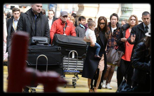 Victoria et David Beckham : session shopping � Paris avec Harper / Victoria et David Beckham : session shopping � Paris avec Harper / CHRISETTE MICHELE – Better (Album Cover + Tracklist) / BIRDMAN FT LIL WAYNE, FUTURE, MACK MAINE, NICKI MINAJ – Tapout (Behind The Scenes) (Video) / Lil Wayne R�v�le A La TV Qu'il Est Fianc� Avec Dhea Sodano / Rohff En Showcase Au B.Box A Clermont-Ferrand (Video) / Lil Wayne Vir� Par Son Sponsor Mountain Dew Pour Ses Lyrics Sur Emmett Till