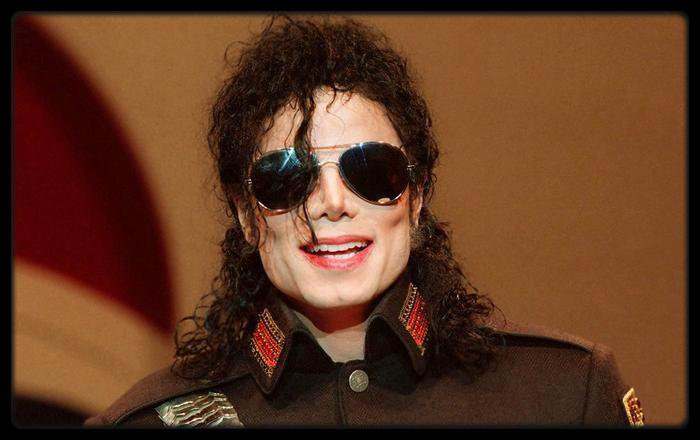 "Nouvelle accusation d'abus sexuel contre Michael Jackson / Parodie Du Son ""U.O.E.N.O."" Avec Rick Ross, Lil Wayne Et Nicki Minaj (Video) / Zaz �voque ses envies de maternit� / MAC MILLER – Watching Movies With The Sound Off (Album Cover) / Birdman Annonce Le Retour De Son Groupe Big Tymers Avec Drake Et Lil Wayne Mais Sans Mannie Fresh / Macklemore & Ryan Lewis Pulv�risent Les Charts Et Battent Un Nouveau Record / Chief Keef Signe Sur Le Label De Gucci Mane"